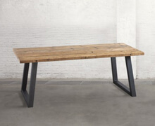 Table with metallic structure & old wood | Decord.gr